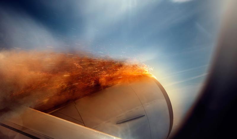 Опасный момент Статистика утверждает, что большая часть аварий происходит либо в первые три минуты после взлета, либо за восемь минут до посадки. Постарайтесь не спать и не пить алкоголь в это время, чтобы координация движений и концентрация внимания оставалась на высоте.