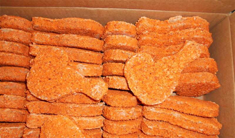 Замороженные полуфабрикаты Куриные отбивные, рыбные палочки, бифштексы, неизвестно сколько лет проведшие в фабричных, а затем и магазинных холодильниках. Из полезного для здорового человека источника белка, такая пища превращается в настоящий источник токсинов и бактерий, которые могут превратить наш организм в рассадник заболеваний. Потратьте немного времени на приготовление полезной пищи сами: здоровее будете.