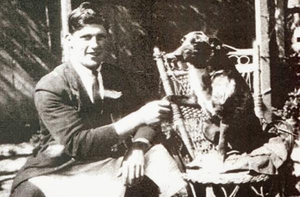 Собака Блуи, 29 лет и 160 дней Австралийская пастушья собака по кличке Блуи дожила до 29 лет и 160 дней. Пес умер в 1939 году, а его имя было внесено в список рекордсменов-долгожителей.