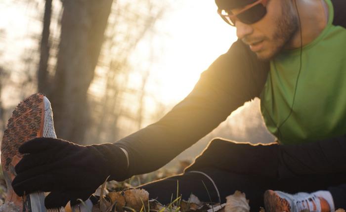 Восстановление Интенсивные нагрузки пойдут на пользу, а не во вред, если вы будете давать своему организму время на восстановление. Хороший сон и правильное питание обеспечат восстановление мышц. За это же время в норму придет и кишечная стенка, и даже если во время следующий нагрузки запустится разрушающий процесс, он будет развиваться медленнее и организм сможет противостоять ему.