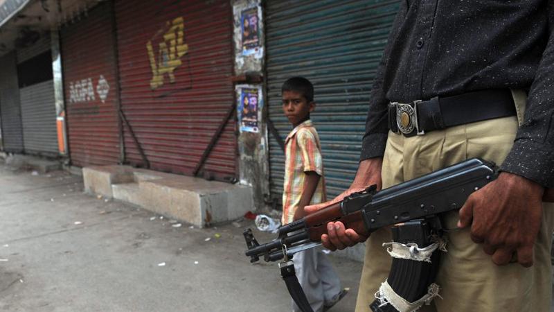 Пакистан Седьмое место Пакистан считается вполне современной и развитой страной, где есть даже своя ядерная программа. Но с начала 2000-х годов, один из регионов государства, Вазиристан, являлся оплотом террористической группировки Талибан. На данный момент официально правительство страны объявило курс на безжалостное уничтожение всех боевиков на своей территории, однако, туризм сюда все еще не считается самым безопасным на планете.