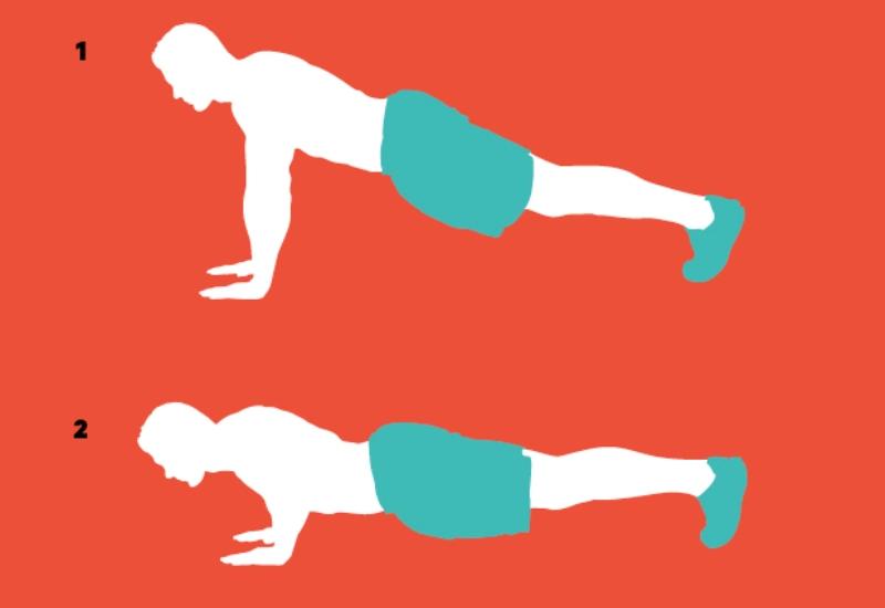 Для разминки: отжимания Многие знают, как правильно нужно отжиматься, но еще раз, на всякий случай: упритесь руками в землю, держите спину ровной (1). Медленно опускайтесь вниз, пока не коснетесь грудью земли (2) (или так близко к ней, как только сможете), а затем вернитесь в исходное положение.Не забывайте правильно дышать, особенно когда почувствуете напряжение.
