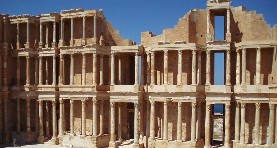 Ливия Количество туристов за год: 6 250 Почему так мало: Каддафи может и ушел, но его наследие живет и дурно пахнет. Эта страна просто опасна для путешественников и рисковать собственной жизнью ради сомнительной возможности насладиться местным, столь же сомнительным гостеприимством решится далеко не каждый.