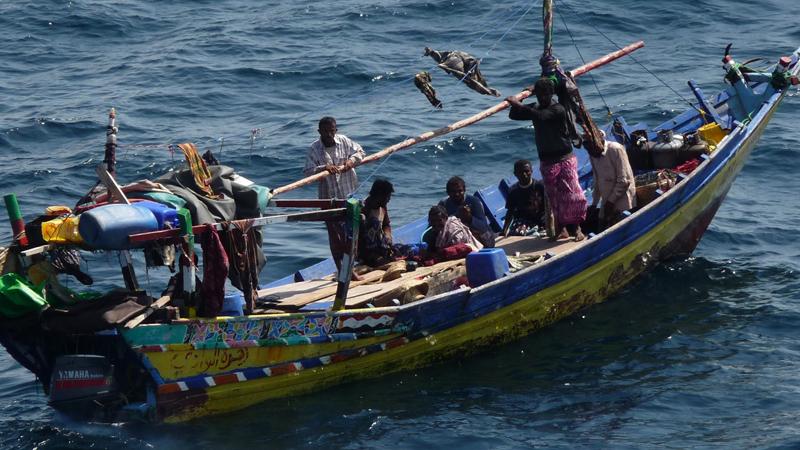 Сомали Шестое место В результате действий сепаратистов, Федеративная Республика Сомали фактически распалась на несколько частей. Большую часть территории контролируют так называемые полевые командиры, которые враждуют между собой. Большинство независимых источников оценивают ситуацию в стране как анархию, а печально знаменитые действия сомалийских пиратов заставляют суда всех стран мира огибать местную акваторию.