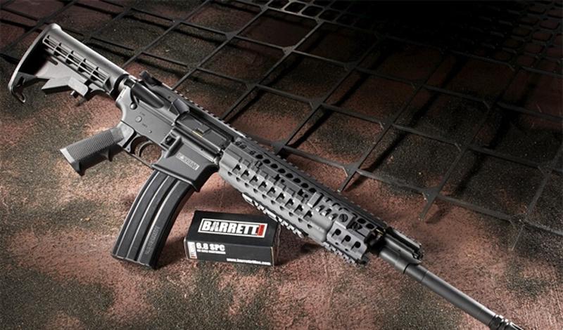 Barrett REC7 Американская компания Barrett Firearms разрабатывала модель REC7 с расчетом на полную замену морально и физически устаревшей M16. Инженеры реализовали все необходимые усовершенствования (в том числе, задумались о материале ствола, газового поршня и хромировании необходимых деталей). Кроме того, Barrett REC7 выполнен с учетом существующих реалий боя: размеры винтовки не сковывают солдата и не мешают ему при погрузке и выгрузке из техники.