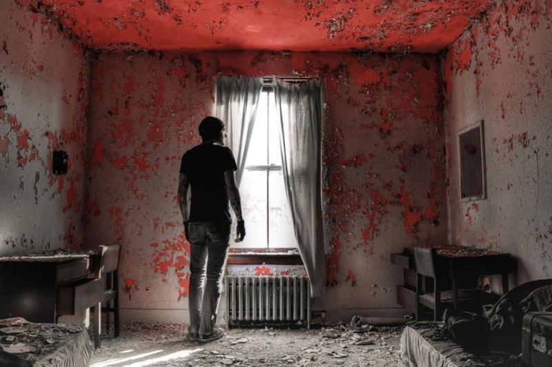 Этот заброшенный дом стал известен благодаря Энтони Сауэллу — серийному убийце, который прятал здесь тела своих жертв. Дом уже разрушен, но местные жители утверждают, что слышат голоса, когда проходят место, где стояло строение.