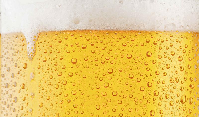 Камни в почках Пиво — шикарное мочегонное, как все мы знаем не понаслышке. К тому же, алкоголь расширяет трубы, связывающие почки и мочевой пузырь. Так что, пиво может помочь вам избавиться от надоевших камней в почках.
