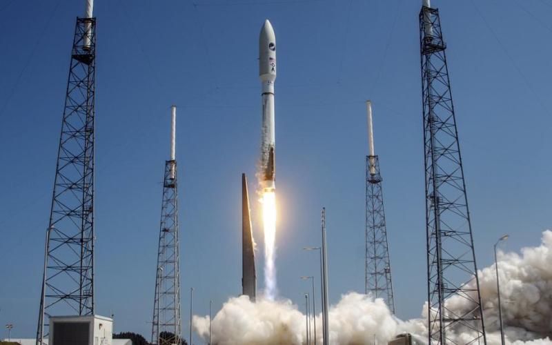 Х-11 и Х-12. 1957 и 1958 гг. Х-11 и Х-12 были скорее первыми межконтинентальными баллистическими ракетами, а не самолетами. Они послужили основой для создания семейства космических ракет-носителей Атлас, которые имеют обширную историю запусков, начинающуюся с первого американского орбитального полета Джона Гленна 20 февраля 1962 года.