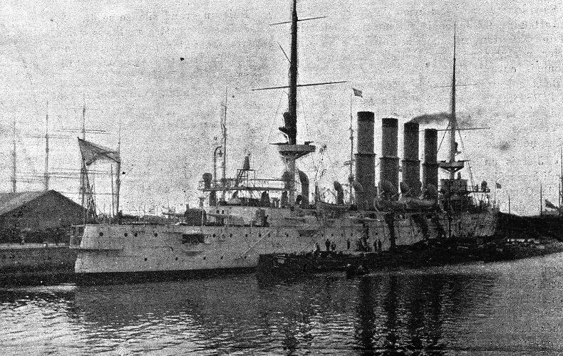 Перед боем В ночь на 8 февраля из порта Чемульпо скрытно уплыл японский крейсер «Тиёда». Его уход не остался незамеченным для русских моряков. В тот же день «Кореец» отправился в Порт-Артур, но на выходе из Чемульпо был подвержен торпедной атаке и был вынужден вернуться обратно на рейд. Утром 9 февраля капитан первого ранга Руднев получил официальный ультиматум японского адмирала Уриу: сдаться и покинуть Чемульпо до полудня. Выход из порта блокировала японская эскадра, так что русские корабли оказались в ловушке, выбраться из которой не было ни единого шанса.