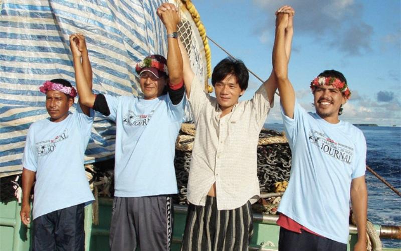 Мексиканские рыбаки Иисус Видана Лопес, Сальвадор Ордоньес и Лусио Рендон почти 10 месяцев дрейфовали в Тихом океане, прежде чем их нашли. Выживали они, питаясь сырой рыбой и птицами и утоляя жажду соленой и дождевой водой. Их лодка была обнаружена в районе Маршалловых островов японским рыбацким судном.