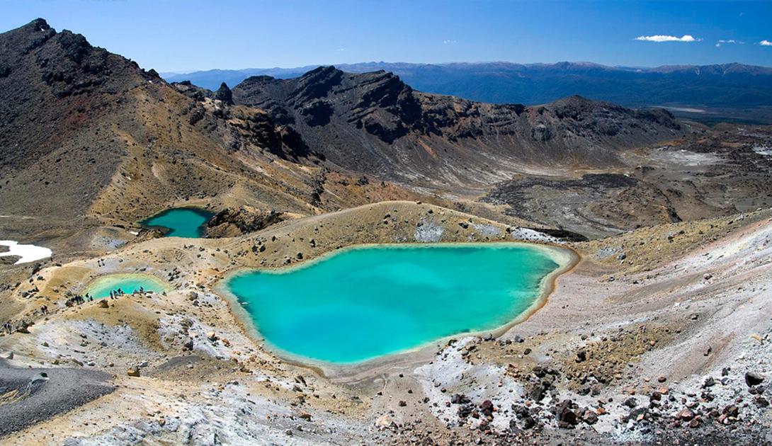 Национальный парк Тонгариро Новая Зеландия Местные горы обожествляются живущими здесь народностями Маори: они связывают людей и всю природу острова.