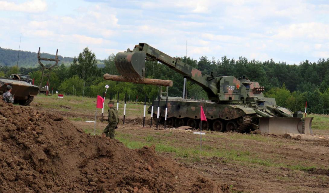 Модель ZTZ-96 можно отнести к разряду тяжелых разрушителей вражеских заграждений. Это боевое (ZTZ-96 оснащена несколькими пулеметами и ракетной системой) орудие способно за короткое время соорудить защитные фортификации и для своей пехоты.
