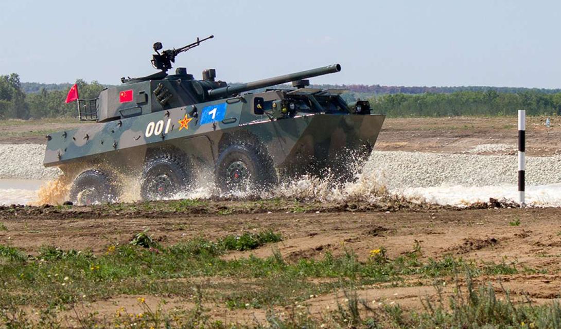 Китайский PTL-02 несет 100мм пушку и пару пулеметов, а его скорость гарантирует необходимую поддержку пехоте.