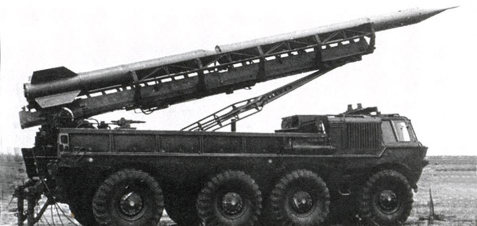Трансформер Инженеры Специального конструкторском бюро, работавшие под руководством самого В.А. Грачева. решили одним махом закрыть нужды армии и в новых мобильных шасси для ракетных установок, и в грузовиках, предназначенных для других целей. В результате упорной работы, была разработана уникальная схема, позволявшая устанавливать на платформу ЗИЛа не только вооружение, но и платформы десантных и ремонтных грузовиков. По сути, конструкторы сумели создать самый настоящий трансформер, подходящий практически любым армейским нуждам.