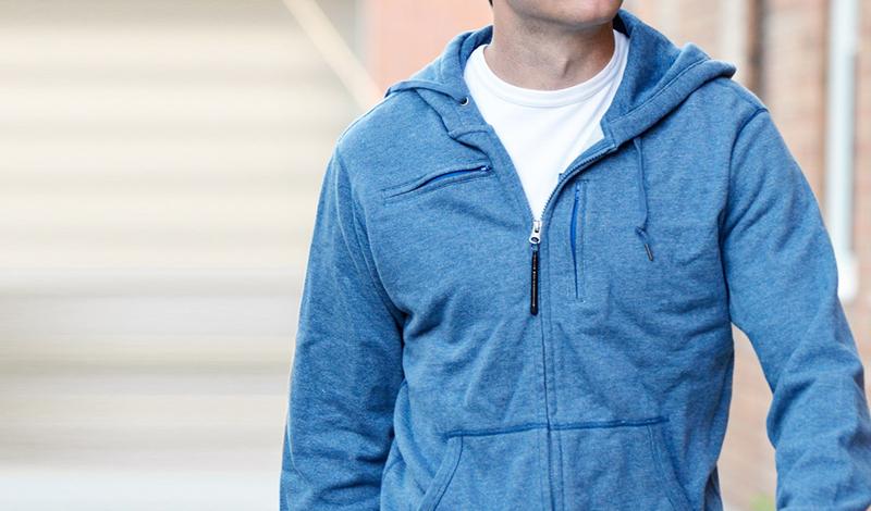 Travel Jacket Хит месяца с Kikstarter: гениальная куртка путешественника, которая в одиночку решит все проблемы с личным багажем. Здесь есть карманы для документов, гаджетов, очков и вообще всего, что только может потребоваться человеку в поездке. Кроме того, куртка выглядит достаточно стильно, а стоит всего полторы сотни долларов.