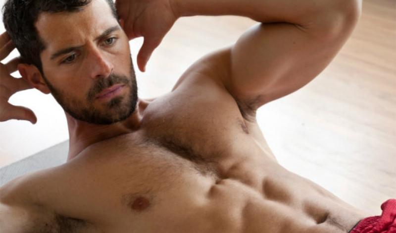 Одно для всего Недавнее исследование показало, что скручивания — наиболее эффективное упражнение для разработки прямой брюшной мышцы, самой крупной в этой части тела. Это действительно так, но, чтобы пресс был красивым, нужно прорабатывать и внешние косые мышцы живота, и прямую мышцу бедра — а это уже совсем другие упражнения.