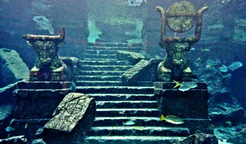 Темные века Сардинии Плохие времена настали для острова Сардиния примерно в 1175 году. Этот факт и привлек Фрау, прекрасно осведомленного о том, что до Темных Веков, люди Сардинии были весьма прогрессивным племенем и пользовались железными орудиями. Следовательно, случилась какая-то катастрофа, откинувшая Сардинию практически в первобытное общество — и Фрау полагает, что это и было затопление Атлантиды.