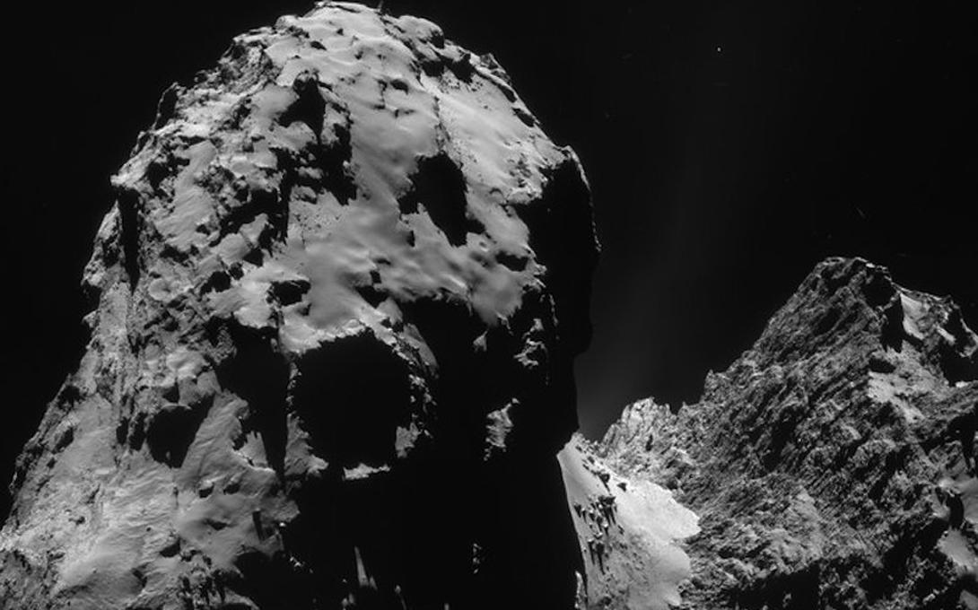 Астероиды и кометы Ученые считают астероиды и кометы ключевым фактором возникновения жизни на нашей планете. В частности, кометы, согласно опубликованному в августе докладу, привнесли на Землю аминокислоты, без которых развитие любых организмов было бы невозможным. Учитывая обилие комет в космосе, есть все шансы, что они могут сделать то же самое и для другой планеты.