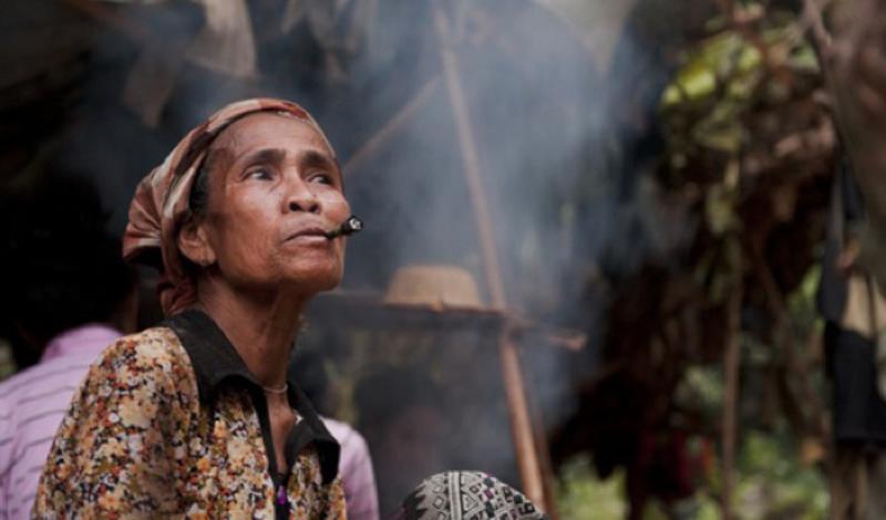 Племя Рук Вьетнам Это племя обнаружили во время войны во Вьетнаме. Пораженные ужасом туземцы выбежали из горящих под напалмом лесов, в первый раз за многовековую историю обнаружив существование других людей на планете.