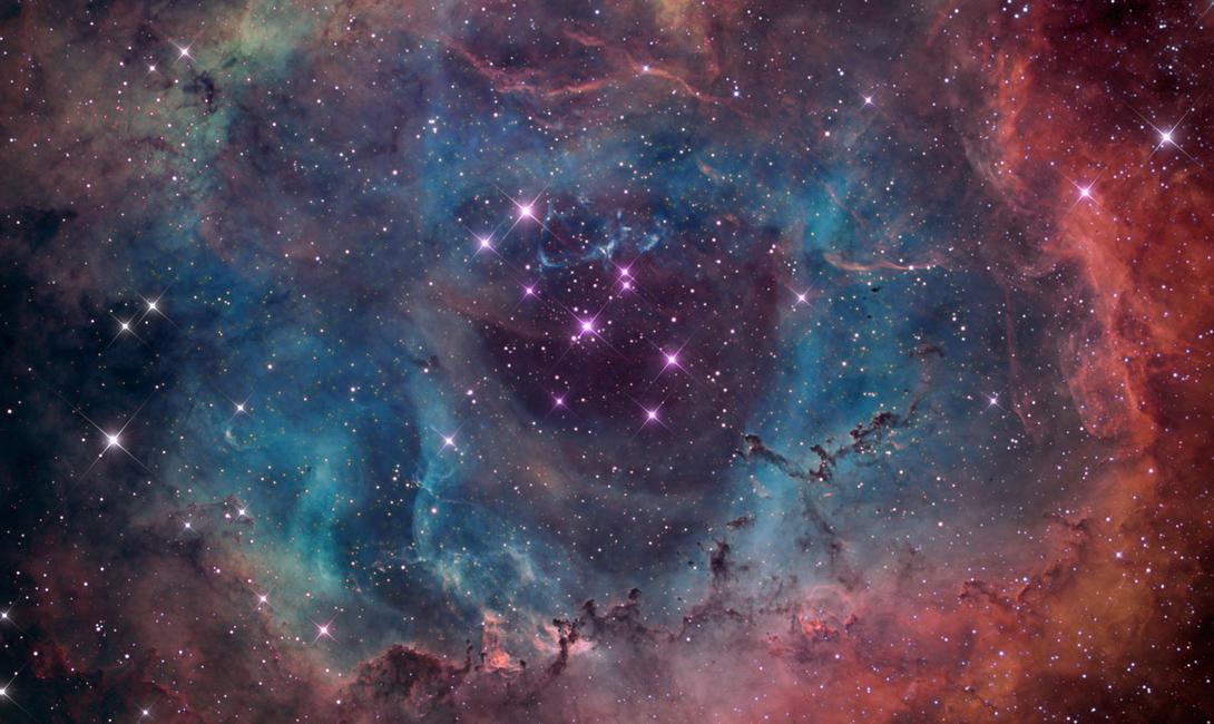 Облако Смит Гигантское газовое облако в несколько миллионов раз превышает массу нашего Солнца. И, в отличие от него, Облако Смит несется в сторону Млечного пути. 70 миллионов лет назад, оно уже сталкивалось с нашей галактикой. Через 30 миллионов лет, астрономы предсказывают новое столкновение, но никто не знает, к чему это приведет.