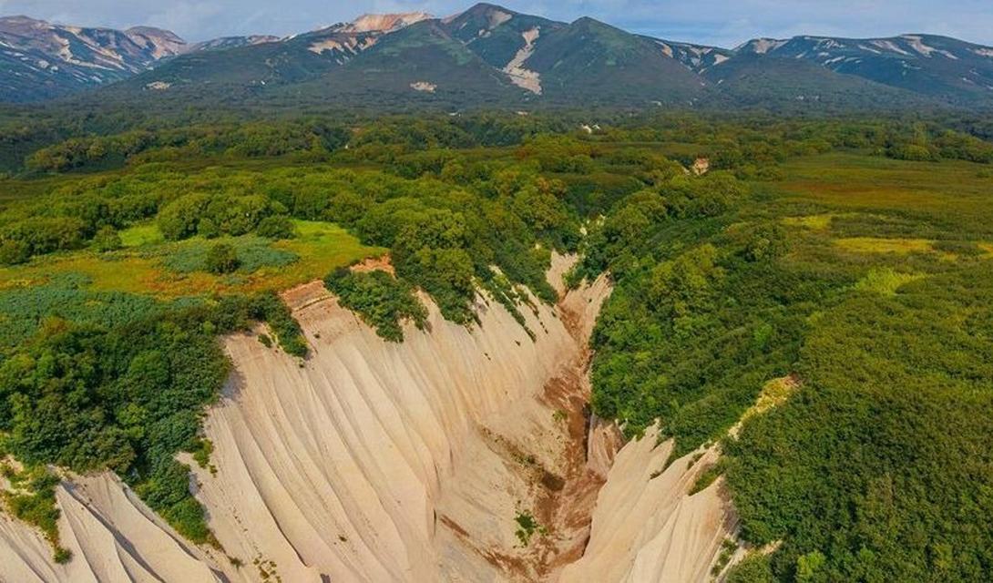Ученые подсчитали, что извержение вулкана было в восемь раз большим, чем ужасное извержение Кракатау в 1883 году.