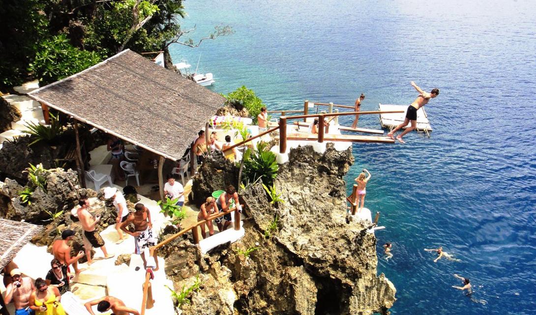 Остров Бусуанга является самым крупным среди архипелага Каламиан.