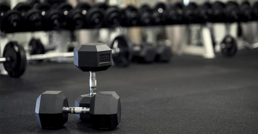 Другой спорт Не нужно думать, что тяжелая атлетика снижает ваши способности в других областях спорта. Возрастающая выносливость и сила мышц крайне положительно влияет на координацию всего тела — кардиотренировки, к примеру, таких бонусов не дают.