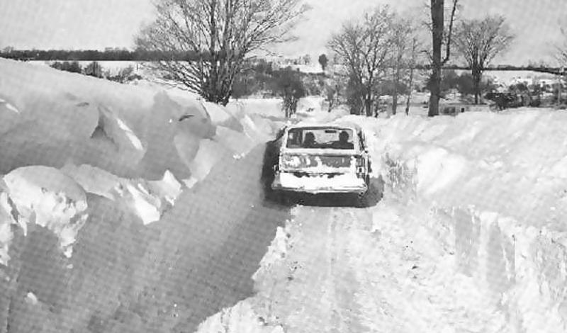 Шторм в Иране 1972 год Ужасный снежный шторм длился целую неделю: сельские районы Ирана были полностью покрыты трехметровым слоем снега. Некоторые деревни оказались буквально погребены под лавинами. Впоследствии, власти насчитали целых 4 000 погибших людей.