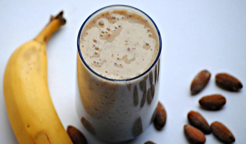 Слишком много протеина не бывает? Мнения многих экспертов в этом вопросе совпадают. Идеальное потребление белка (для тренирующегося человека), должно составлять не более 1 грамма на 2,2 килограмма веса тела. Превышать эту дозу — идти на некоторый риск, поскольку совершенно непонятно, сможет ли ваше тело усваивать весь полученный протеин.