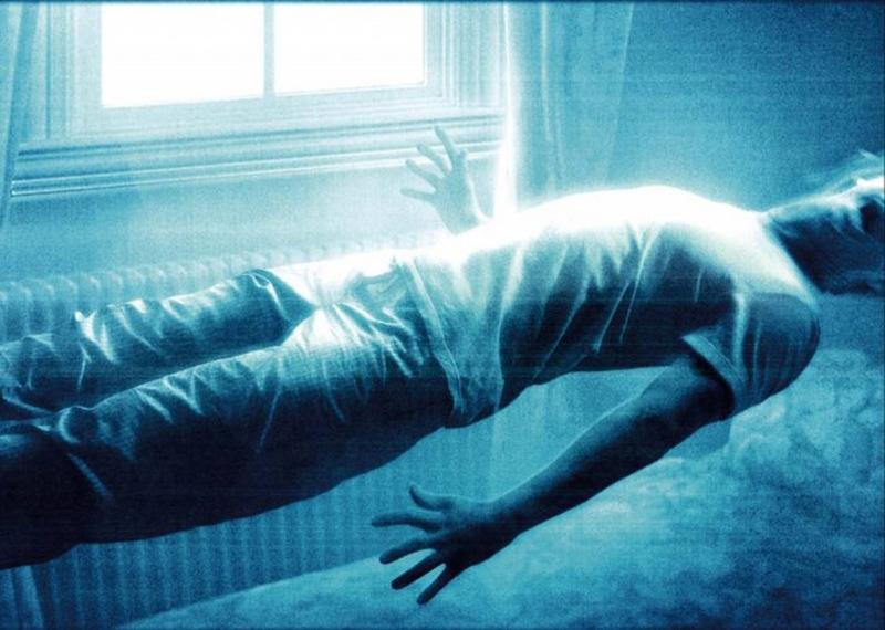Регулярный сон В исследовании, опубликованном Архивами внутренней медицины, содержится информация о повышении риска заболевания пренебрегающими сном людьми. Даже семь вместо восьми часов ночного отдыха уже повышали риск подхватить инфекцию в целых три раза.