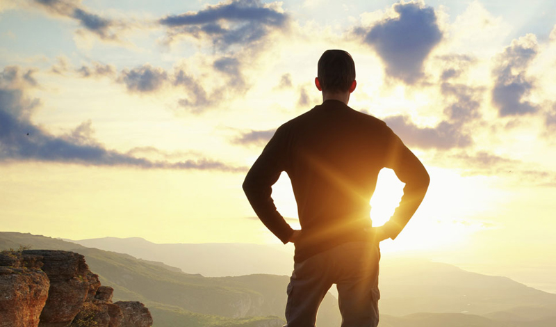 Зачем это надо На самом деле, без четкого ответа на этот вопрос самому себе, у вас просто не получится вставать рано. Никакая надуманная мотивация здесь не сработает. Либо определенная цель есть — и тогда вы без проблем просыпаетесь в четыре утра, зная, что и зачем надо делать, либо вы каждый раз просыпаете будильник, имея, в дальнейшем, только плохое настроение из-за невыполненного обязательства.