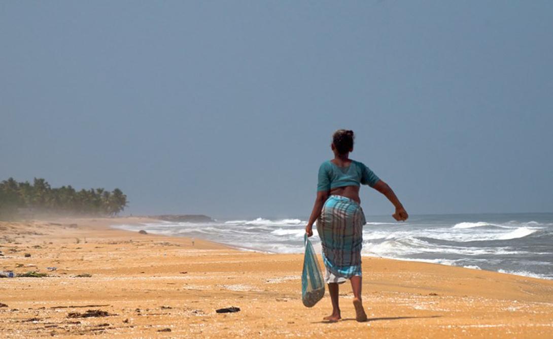 Керала Индия Высокое содержание тория в окружающих Кералу песках стало причиной высокого уровня радиационного фона для целого штата. Ученые говорят, что непосредственной опасности для местного населения нет — по крайней мере, нет доказательств непосредственного облучения. Тем не менее радиация здесь в целых 30 раз превышает средний показатель в мире.