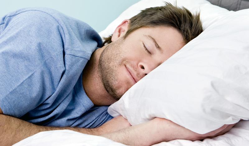Сон Стэнфордские исследователи обнаружили, что, люди, которые спят менее 8 часов в день, обладают индексом массы тела обратно пропорциональной длительности сна. Иными словами: меньше спите — толстеете быстрее.
