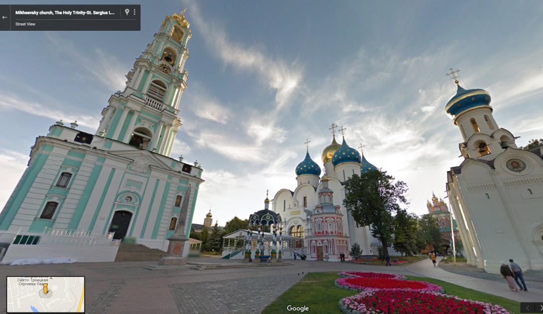 Троице-Сергиева Лавра является духовным центром Русской Православной Церкви. Храм был основан в 14 веке и находится за пределами Москвы.