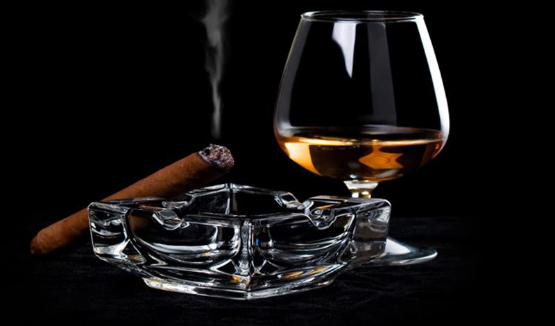 Алкоголь и табак И, конечно, нужно в обязательном порядке исключить из своего рациона табак — а, заодно, снизить потребление алкоголя до минимума. Заодно и денег сэкономите.