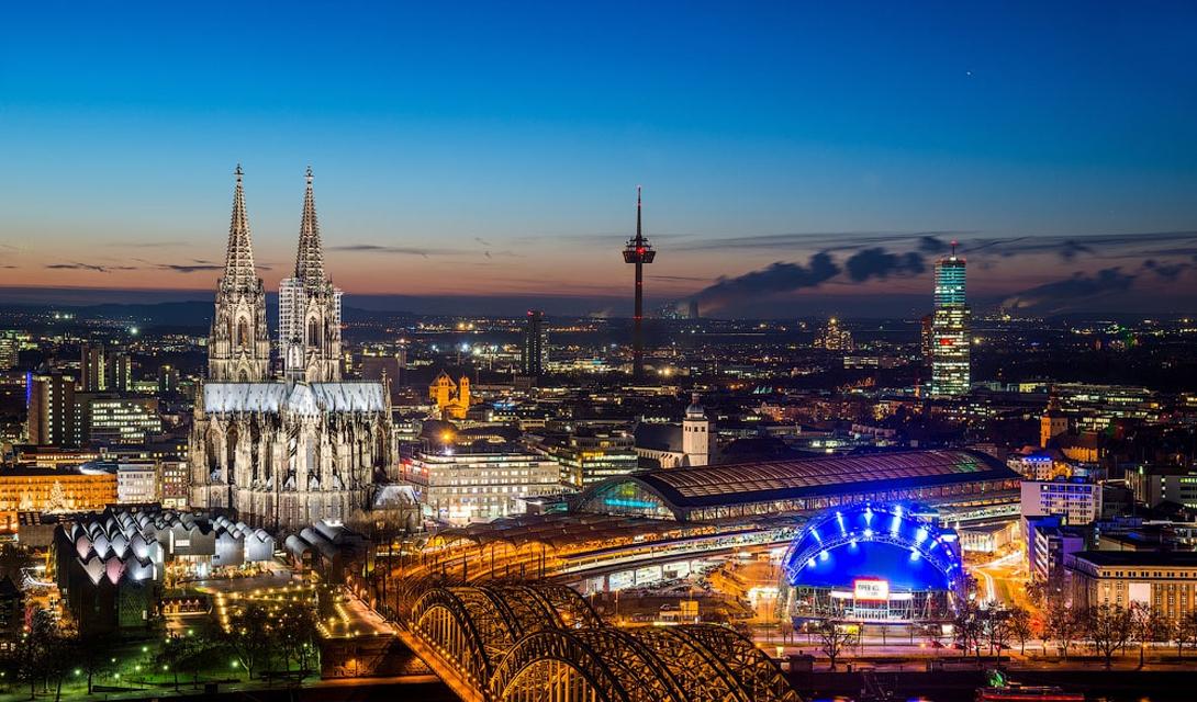 Кельн, Германия Солнечных часов за год: 1504 Второе, полуофициальное наименование Кельна —Метрополия на Рейне, что отображает действительно высокий статус города, крупнейшего и старейшего культурного центра всей страны. Кроме дефицита солнца, Кельн упрекнуть просто не в чем.
