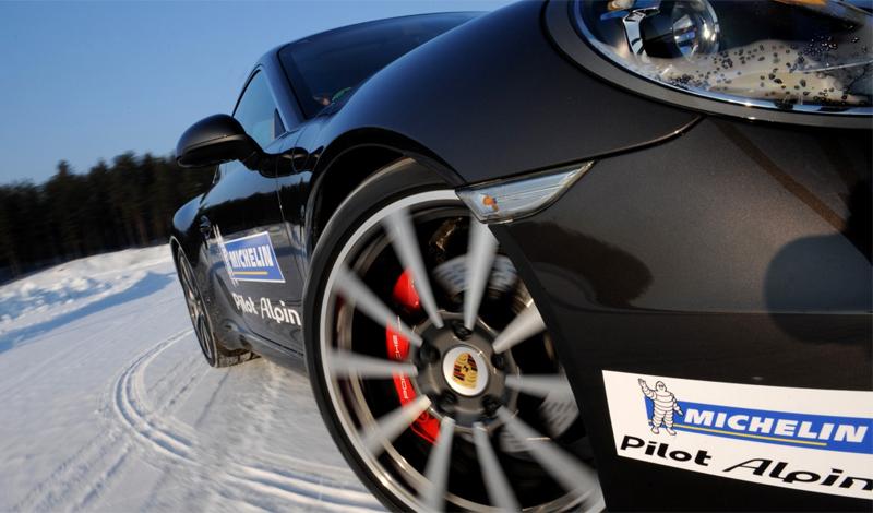 Производитель Конкуренция среди основных производителей шин привела к усреднению общего качества. Топовые марки — Michelin, Pirelli, Bridgestone, Firestone — наверняка обеспечат вам необходимый уровень комфорта и безопасности.