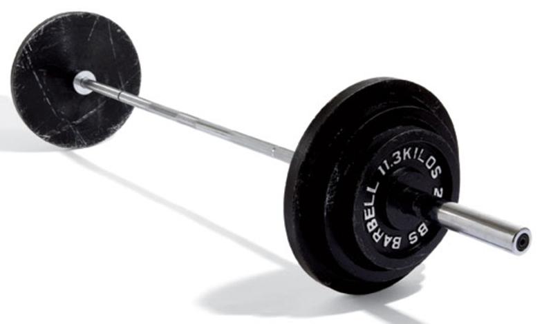 Штанга Для чего: жим, тяга, приседания Без штанги не обходится практически ни одно занятие в зале. Красота этого предмета инвентаря — в его универсальности. Штангу можно использовать для развития любой группы мышц и только она позволяет взять спортсмену наибольший вес.