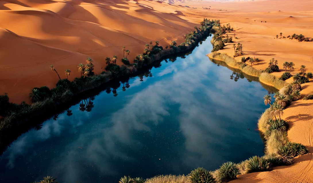 Но все может вернуться на круги своя. Ученые выяснили: за последние 200 000 лет, эта местность менялась уже девять раз, то есть спустя несколько тысячелетий Сахара вновь может стать огромным оазисом.