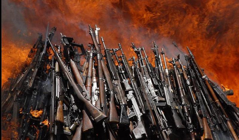 Россия Наша страна старается не отставать. Россия столкнулась с серьезной критикой мирового сообщества, за предоставление 78% всего оружия, которое было использовано в Сирии с 2006-го по настоящее время. На данный момент, почти 68% всех продаж в этой отрасли идет в Азии и Океании. Индия считается крупнейшим клиентом российских оружейных заводов: спрос на вооружение здесь постоянно увеличивается.