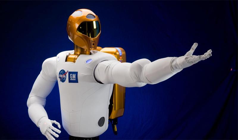 Исследования NASA Но что делать тем, кто не успел спрятаться? Ученые утверждают, что не все потеряно. Ранее в этом году исследователи NASA представили наноматериал, который наносится на скафандры космонавтов, чтобы защитить их от космической радиации. Это может стать решением проблемы — если только удастся запустить массовое производство.