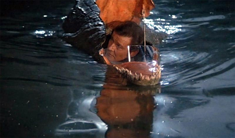 Крокодилодка Фильм: «Осьминожка» Чтобы сбежать от девушки, требуется не только ум, хитрость и полное отсутствие чести, но и несколько научных приспособлений. По крайней мере, если речь идет о девушке-суперзлодее. В «Осьминожке» агент 007 спасается с острова, спрятавшись в одноместной сумбмарине. Казалось бы, ничего особенного — вот только лодка эта замаскирована под крокодила.