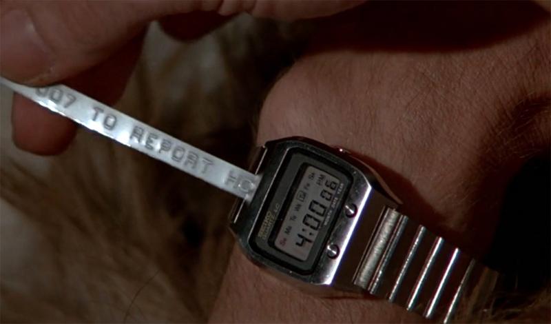 Часы Фильм: «Из России с любовью» Бонд успел поносить все главные часовые марки современности. Rolex, Seiko, Omega: часы спецагента умели стрелять, отправлять донесения и просто показывать точное время.