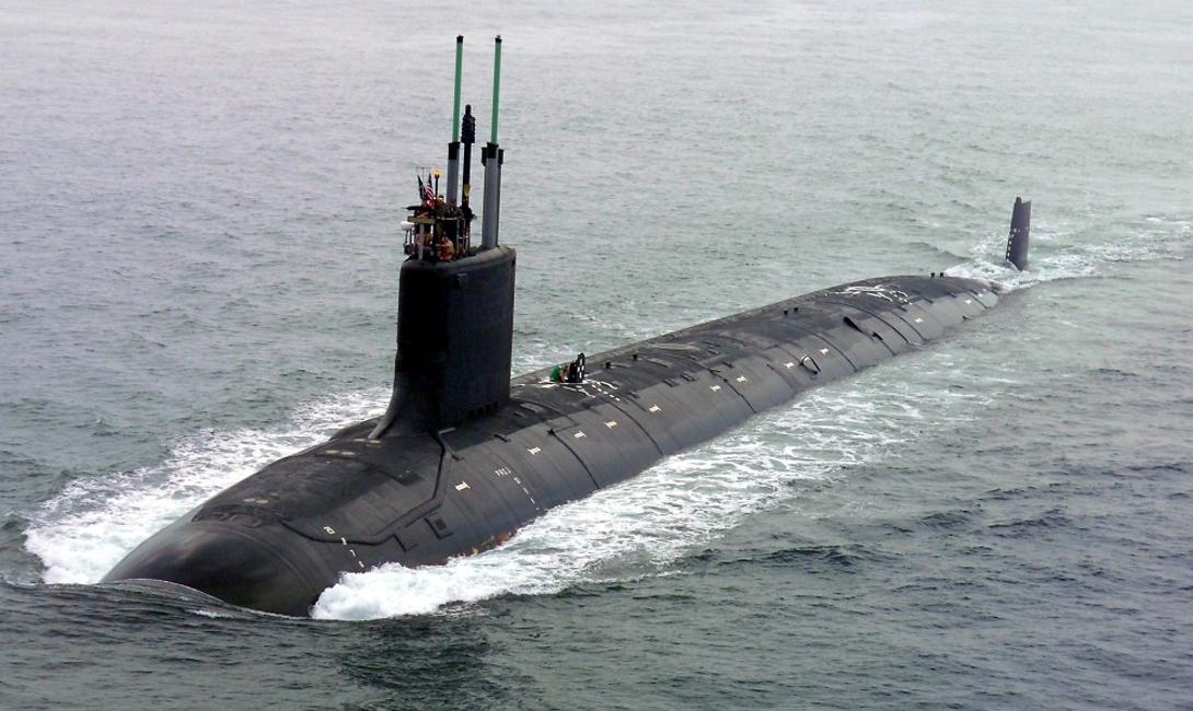 Субмарина Virginia Стоимость: $ 2,4 млрд Новый класс подводных лодок способен осуществлять операции на мелководье, что делает его серьезной проблемой для стоящих в порту кораблей противника. Судно класса «Вирджиния» работает на ядерном реакторе и оснащено четырьмя торпедными аппаратами и двенадцатью вертикальными пусковыми установками.
