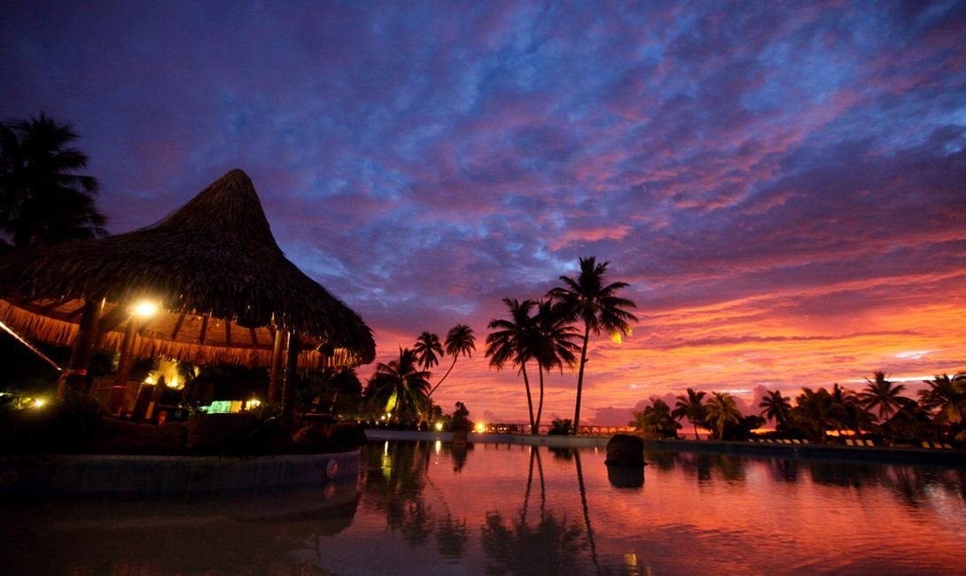 Бора-Бора Таити Острова Бора-Бора наполнены первобытной магией красоты, лучше всего открывающейся на закате.