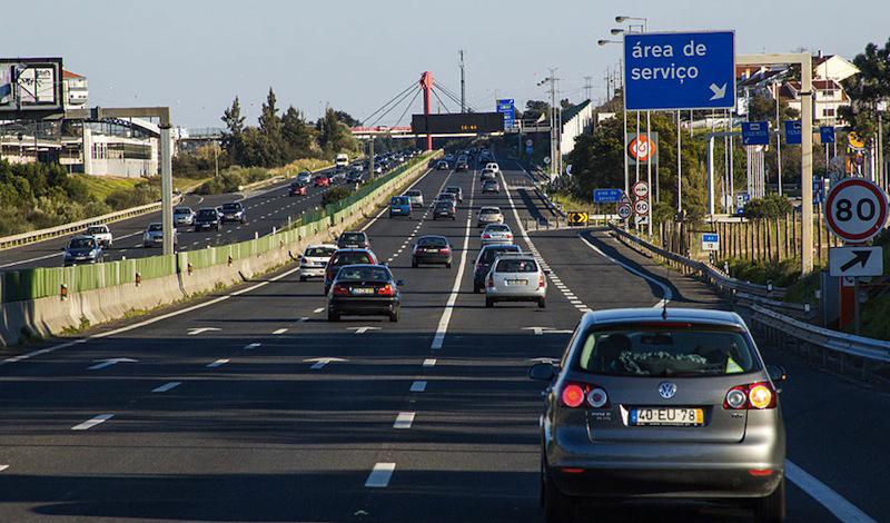 Лиссабон Португалия Как ни странно, но Лиссабон занимает почти высшую точку рейтинга. Португальцы смогли обойти даже немцев, чьи автобаны всегда считались настоящим эталоном производства.