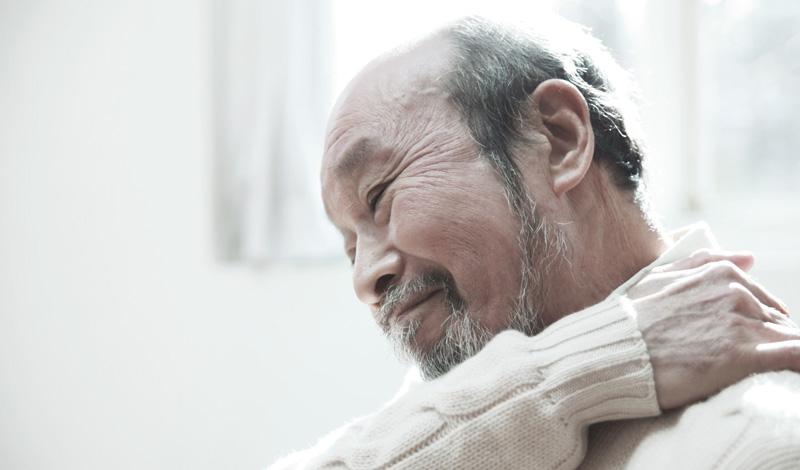 Боль в спине и желудке при вздохе