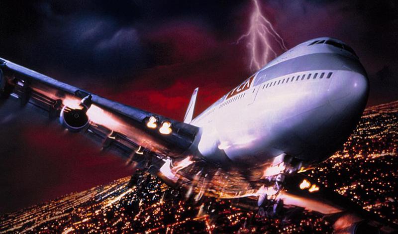 Что такое турбулентность Возникшая в воздухе турбулентность означает, что лайнер попал в зону разнонаправленных вихревых потоков. Они и вызывают колебания судна, которое многие пассажиры считают невероятно опасным. За время обычного рейса самолет попадает в зону турбулентности несколько раз — но вы, как пассажир, можете этого даже не заметить.