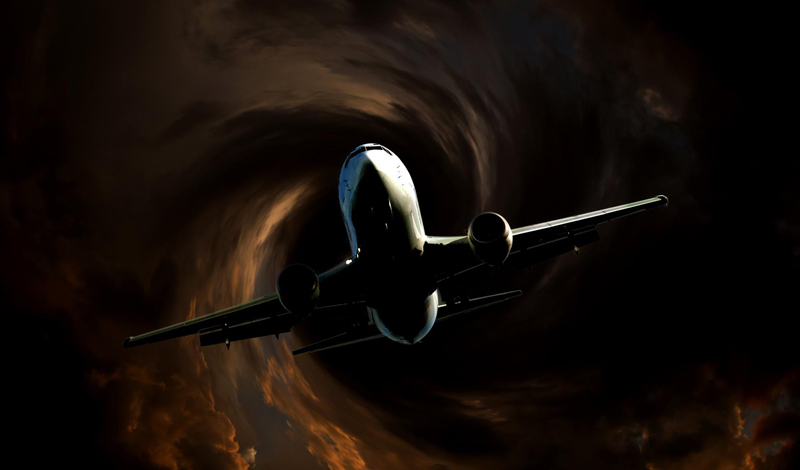 Смертельный полет Болтать может как угодно сильно, самолету это не повредит. Пассажиры считают, что турбулентность может нарушить целостность обшивки судна, и даже оторвать ему крылья. Но лайнеры сконструированы таким образом, чтобы выдерживать гораздо более серьезные перегрузки. Турбулентность не способна причинить им никакого вреда.