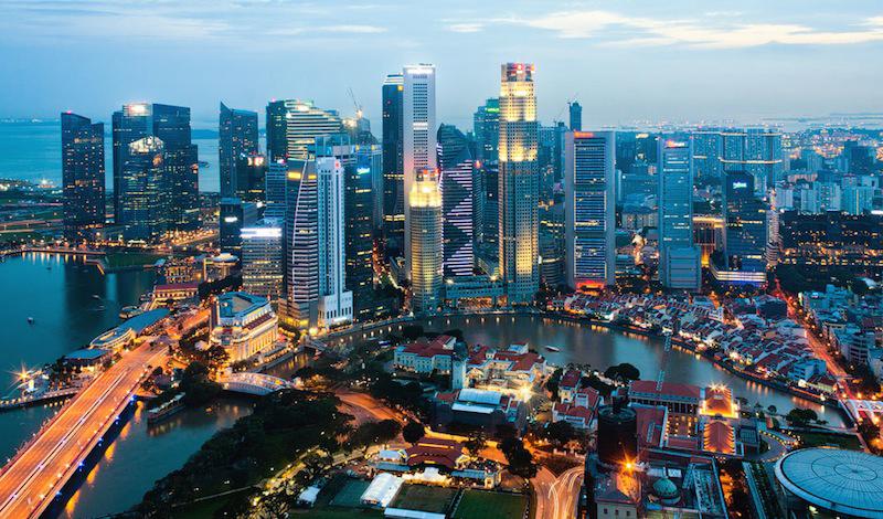 Сингапур Сингапур — настоящая жемчужина в короне азиатского Дракона. Город-государство тратит огромные деньги на поддержание дорог в отличном состоянии и вот уже который год попадает в шорт-лист лучших хайвеев мира.